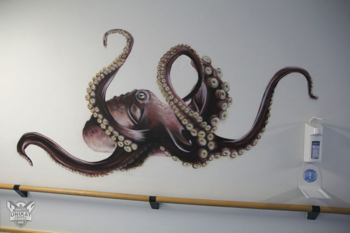 Kraken auf Wand gesprüht
