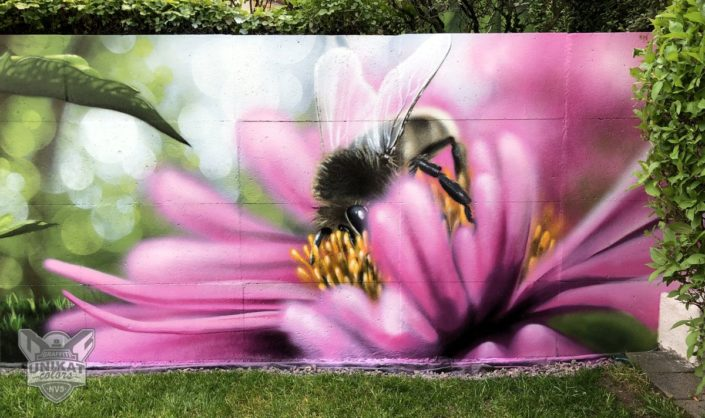 Graffiti Biene