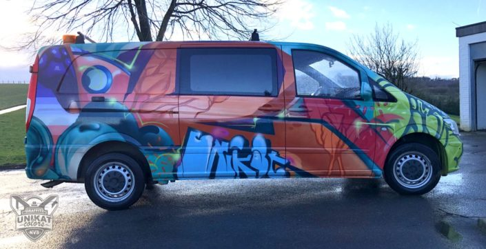 Graffiti auf Auto